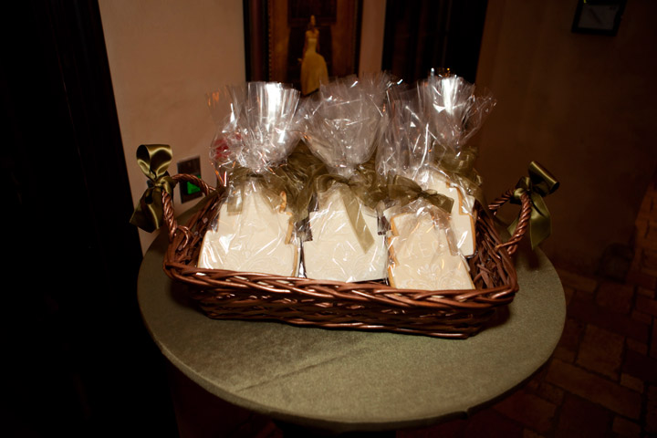 Cake-shaped Favor Cookies